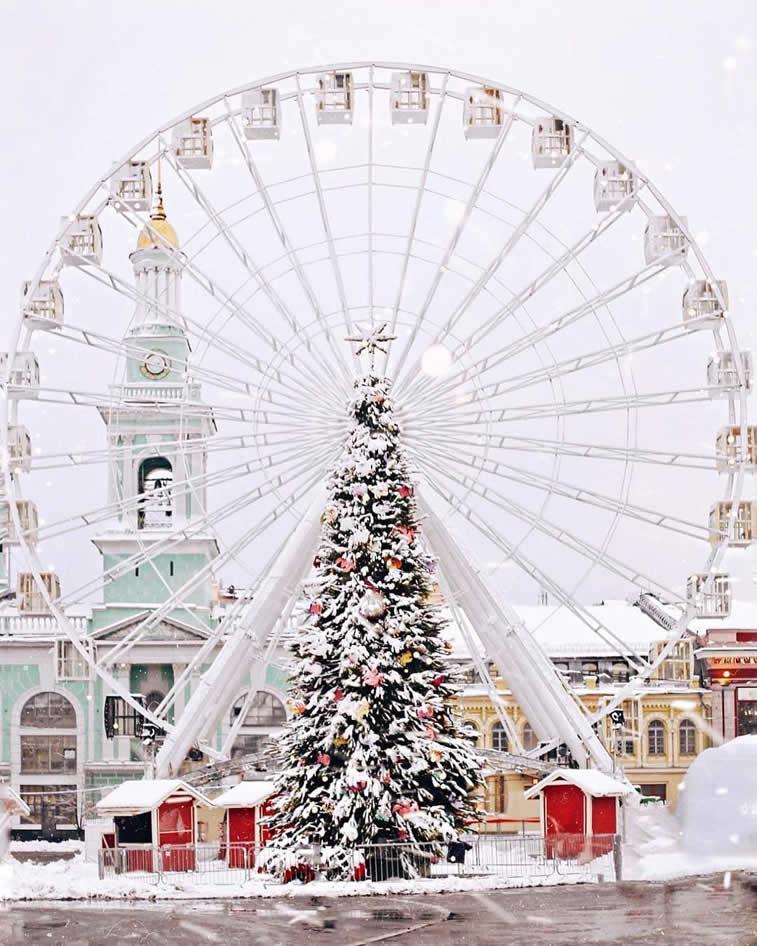 Karusell im Winter