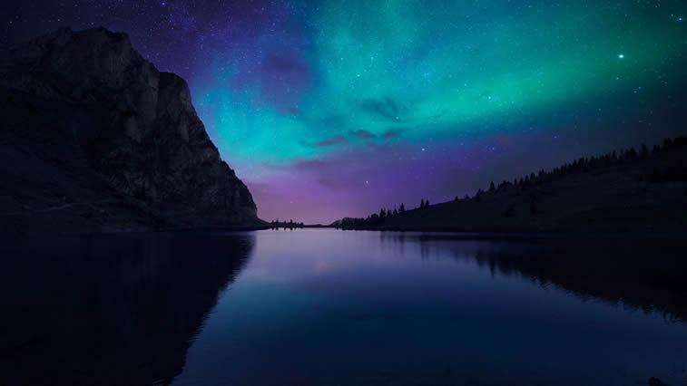 Blau violett See